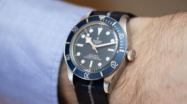 "Perfil del Tudor Black Bay Fifty-Eight ""Navy Blue"" con NATO"