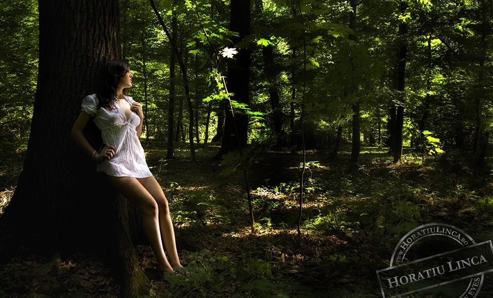 Fata Verde cu Parul Padure.. copyright Horatiu Linca