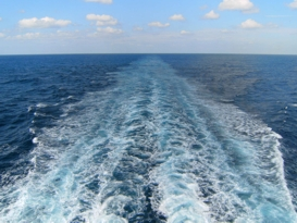 Schwerhörigkeit führt zu Einsamkeit  - wie allein auf dem Meer