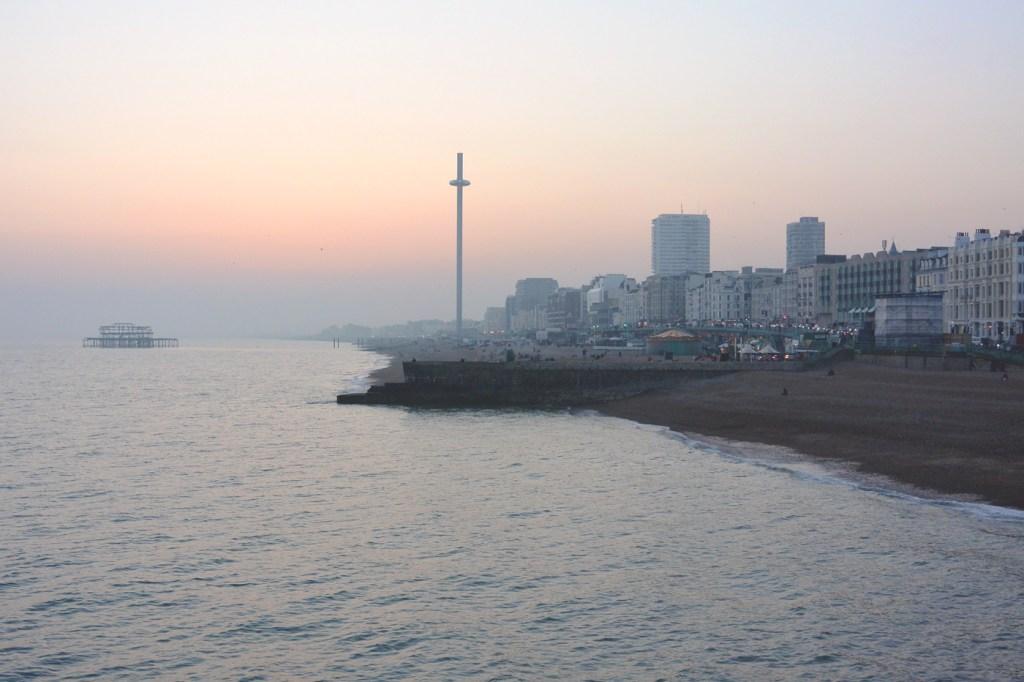 Vue de Brighton depuis le Pier