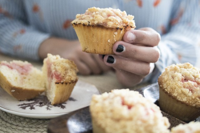 Muffins crumble à la rhubarbe