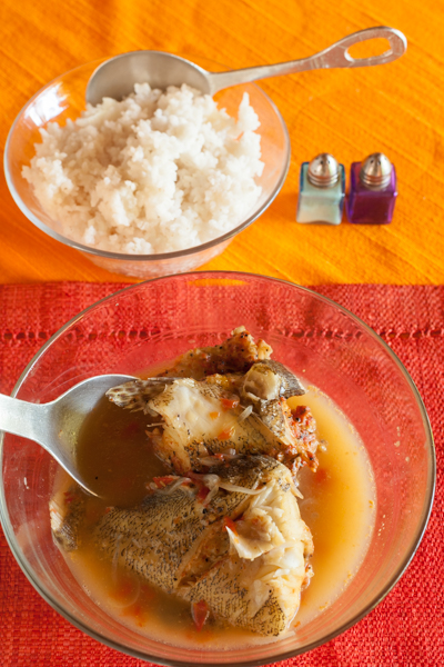 マダガスカル料理のひとつ、魚のスープ