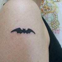 コウモリのトライバルのタトゥー画像