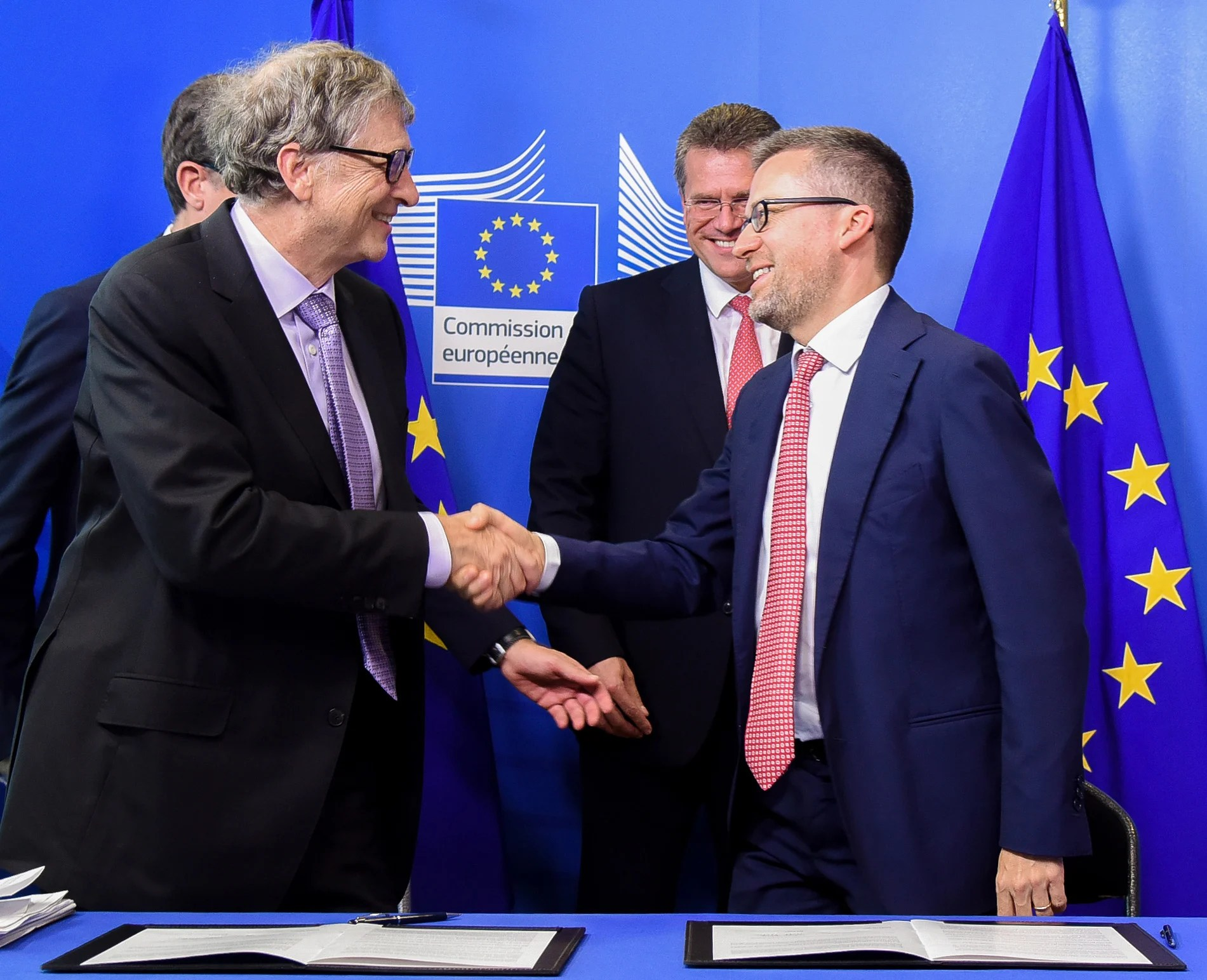 Bill Gates and Commissoner Carlos Moedas committed to establish a fund to get radical new clean energy technologies to market.