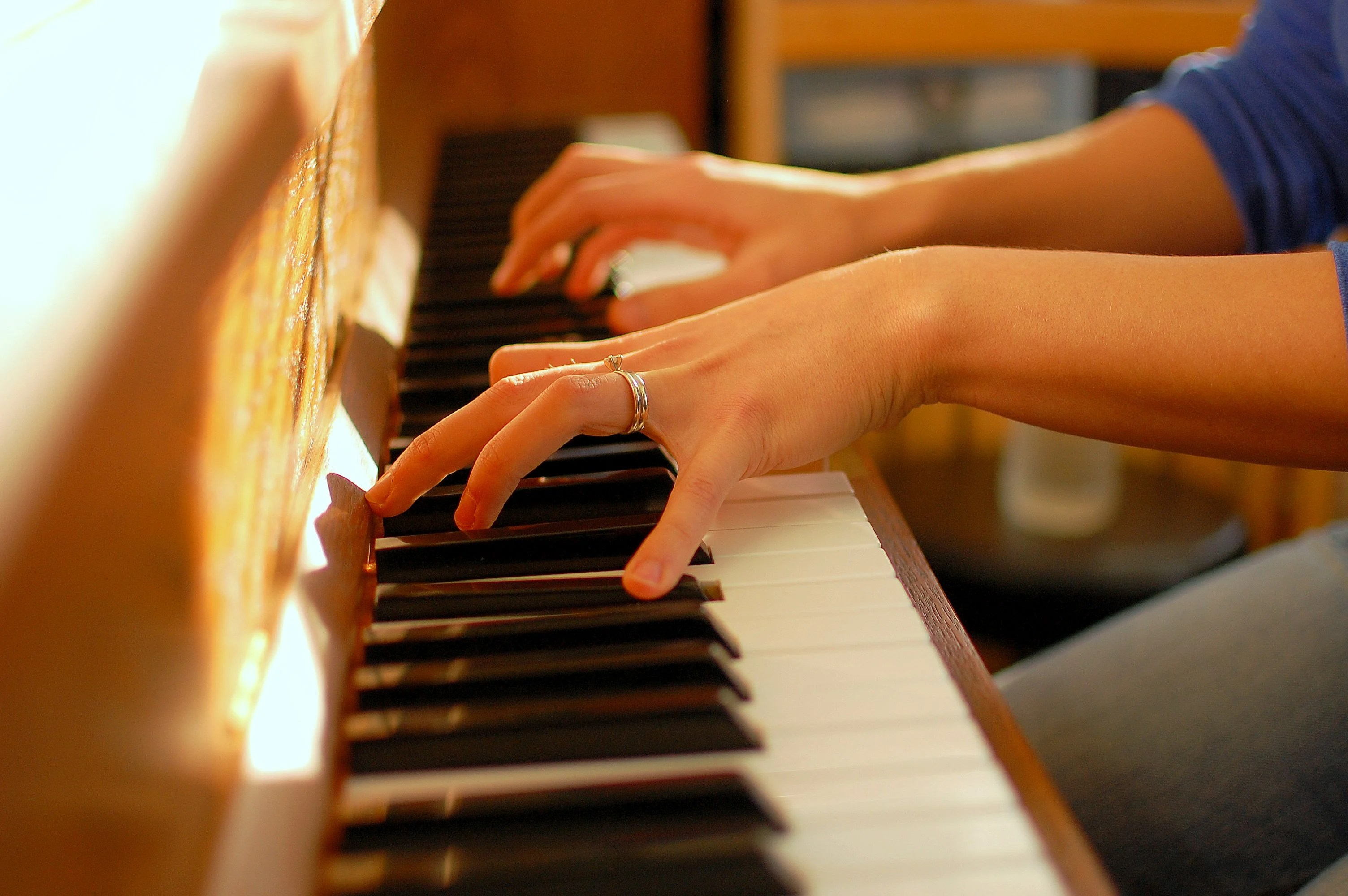 When a piece of music is played at the wrong tempo it is difficult to recognise because our brain uses rhythm to help make sense of sounds. Image credit - flickr/ Brian Richardson, licensed under CC BY 2.0