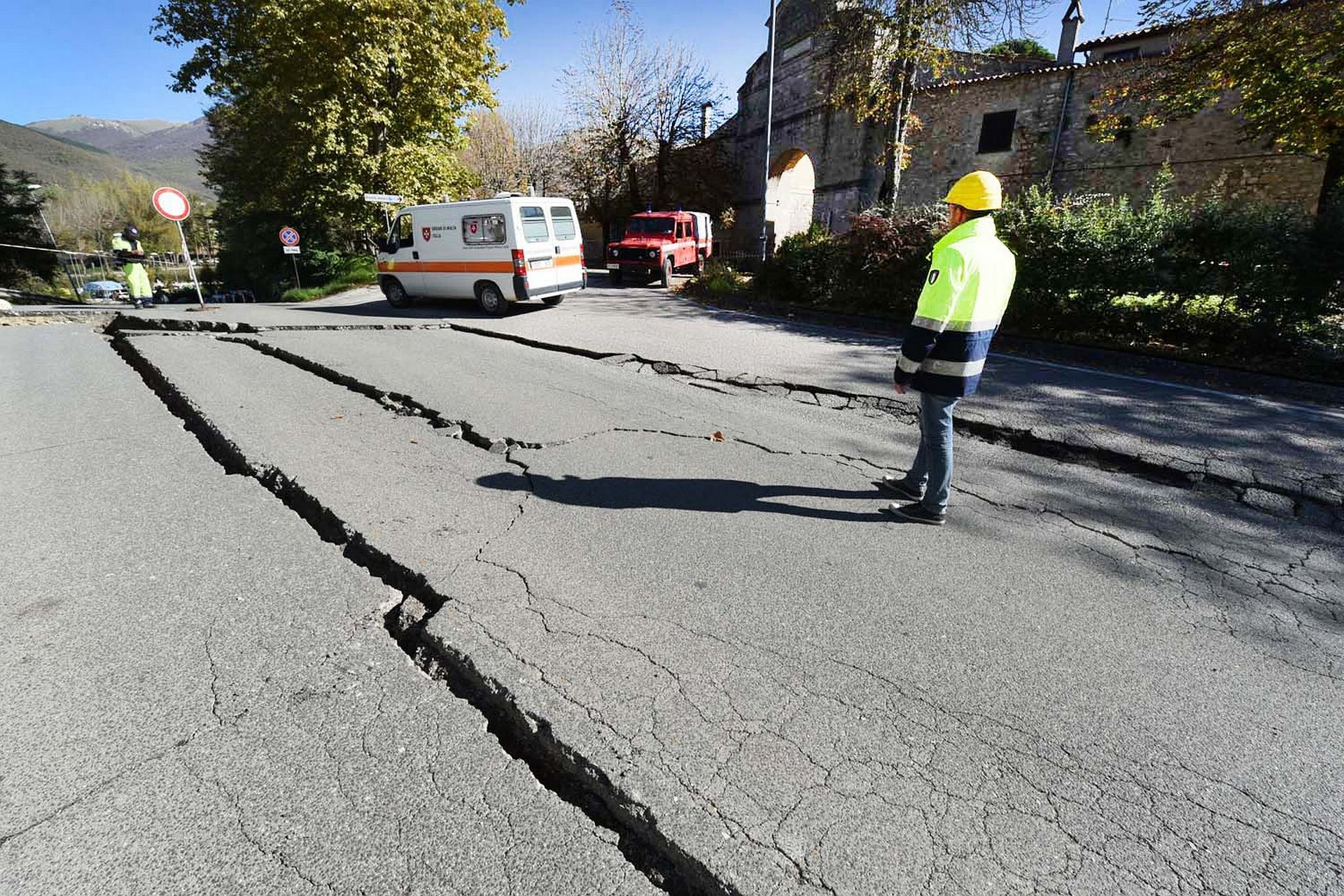 Unlike regular earthquakes, which can cause visible damage, slow earthquakes cannot be felt at the Earth's surface. Image credit - Pixabay/ marcellomigliosi1956, licensed under pixabay license