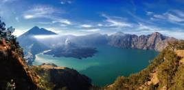 Rinjani crater from the rim