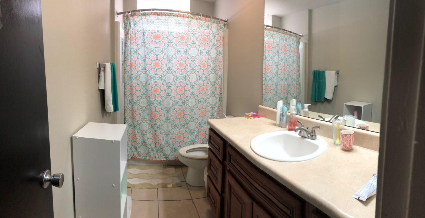 Student Apartment - Bathroom
