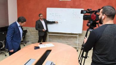 صورة تعليم عن بعد .. استئناف بث الحصص عبر القنوات اليوم الثلاثاء
