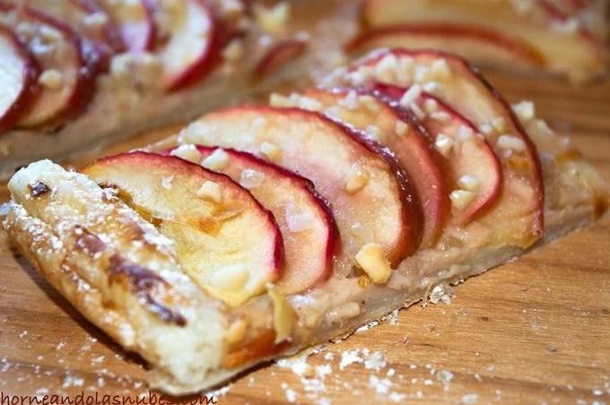 Tarta de manzana y canela con almendras