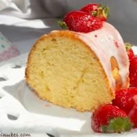 Bundt cake de naranja y fresa
