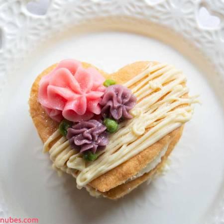 Pastel para San Valentín de almendras y fresa
