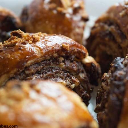 Rollitos de nutella y avellanas