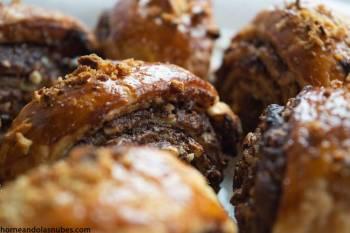 Rollos de nutella y avellanas