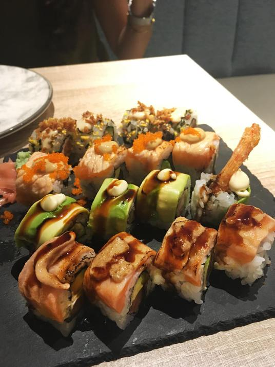 Macao sushi restaurant madrid special roll box