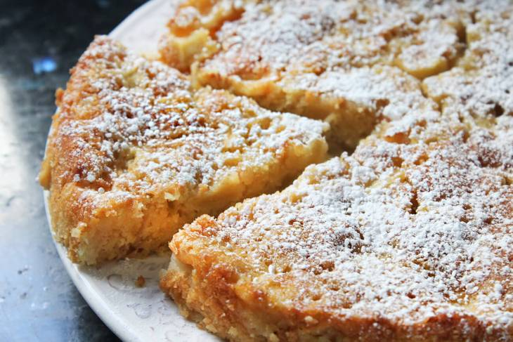 How to make french apple cake