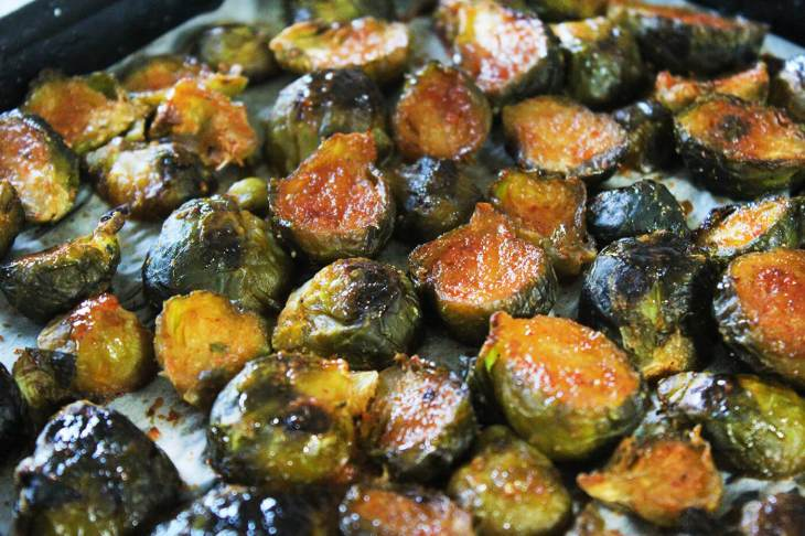 How to make honey sriracha roasted brussels sprouts