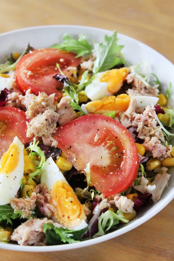 How to make tuna and egg salad
