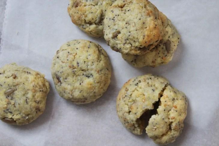 Cómo hacer galletas de mantequilla con semillas de amapola y sésamo