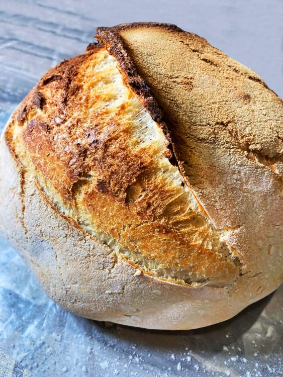 How to make a dutch oven bread