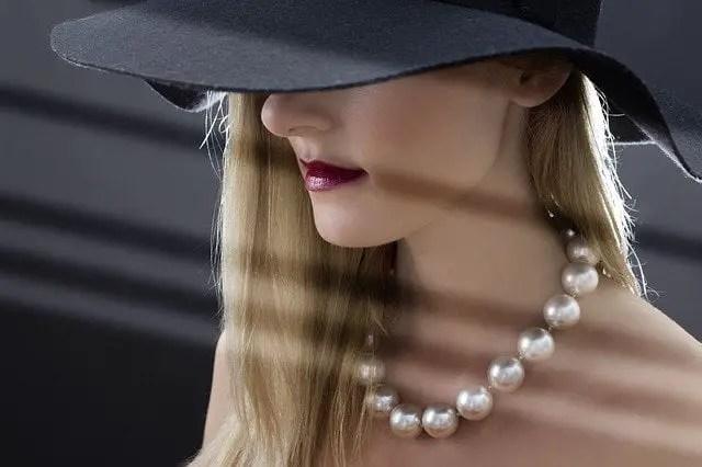 Soñando con comprar perlas, que significa
