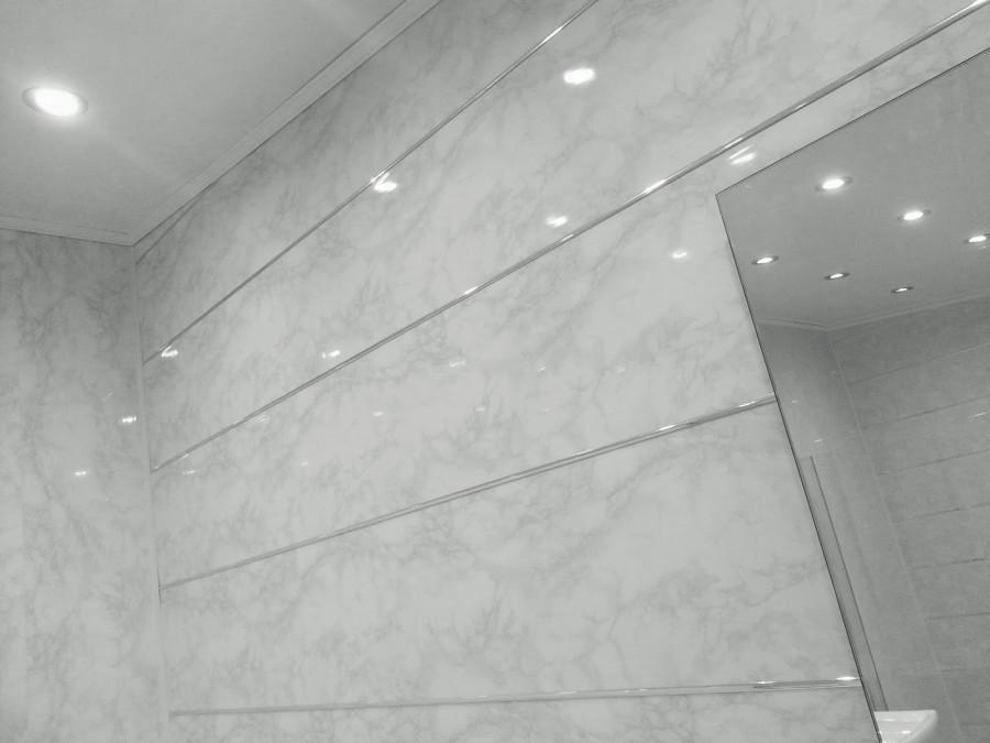 Cum se face un plafon din panourile PVC cu caracteristici de instalare proprii. Cum să faceți un plafon din plastic cu propriul dvs. Ghidul pas cu pas