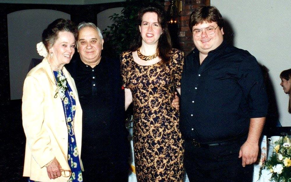 Chris ao lado de Ed e Lorraine Warren | Foto: reprodução/arquivo pessoal
