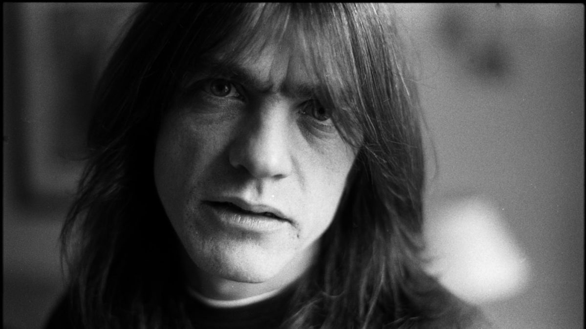 R.I.P. - AC/DC Guitarist Malcolm Young Dead At 64!