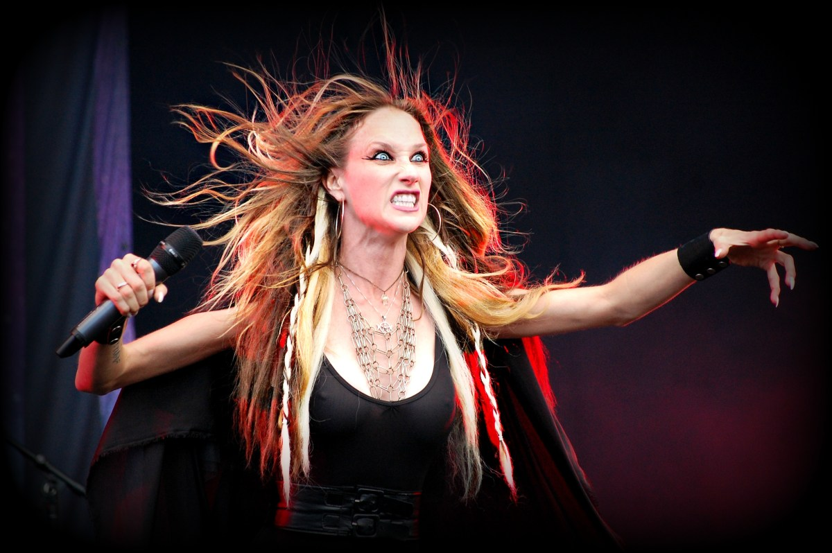 R.I.P. - HUNTRESS Frontwoman Jill Janus Dead At 43!