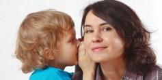 لماذا يفضل الأطفال أمّهم على أبيهم؟!