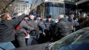 السلطات الروسية تعتقل عشرات المتظاهرين ضد الفساد