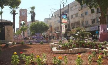 """مشروع """"ربيع إدلب"""" يمحو عن المدينة آثار الحرب"""
