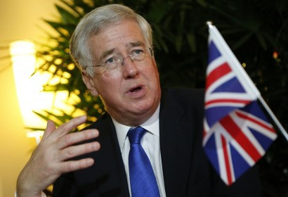 """""""دعم مشروط"""" بريطاني لواشنطن في تحركاتها العسكرية بسوريا"""