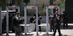 """إسرائيل تعيد فتح """"الأقصى"""" وتخضع المصلين لتفتيش بوابات الكترونية"""