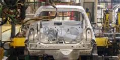 أمريكا تسعى لضم الصلب والألومنيوم لقواعد إنتاج السيارات في نافتا