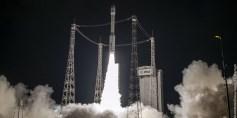 المغرب تطلق أول قمر مراقبة اصطناعي