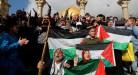 مظاهرات غاضبة ومواجهات مع الاحتلال في الضفة الغربية وغزة