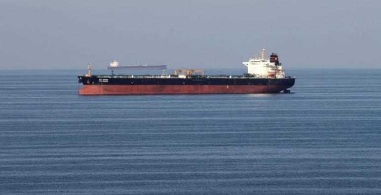 أولى ناقلات النفط العراقي تفرغ حمولتها في لبنان