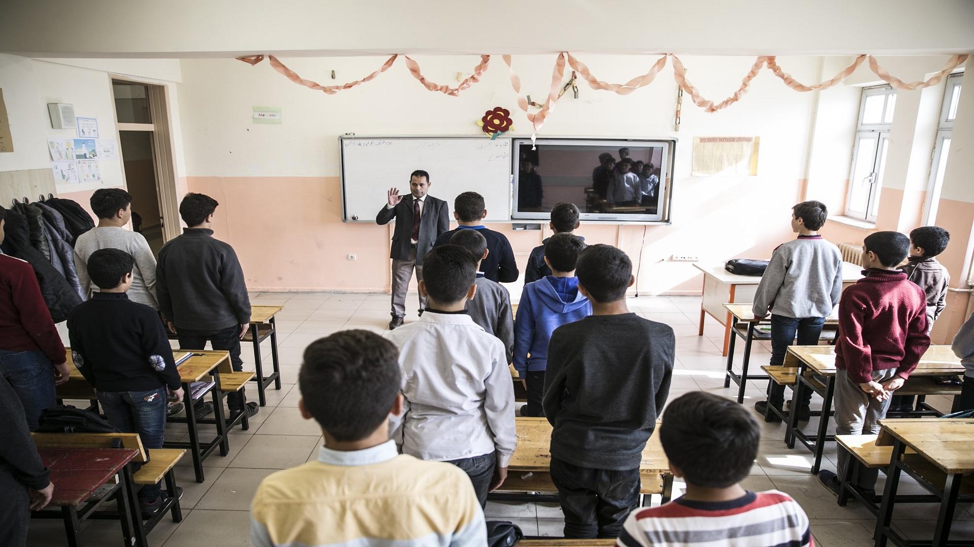فصل معلمين سوريين من المدارس التركية - حرية برس Horrya press