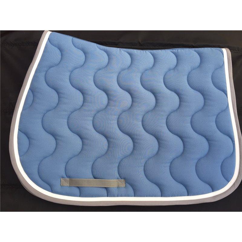 tapis bleu lagon avec galon gris et verni blanc