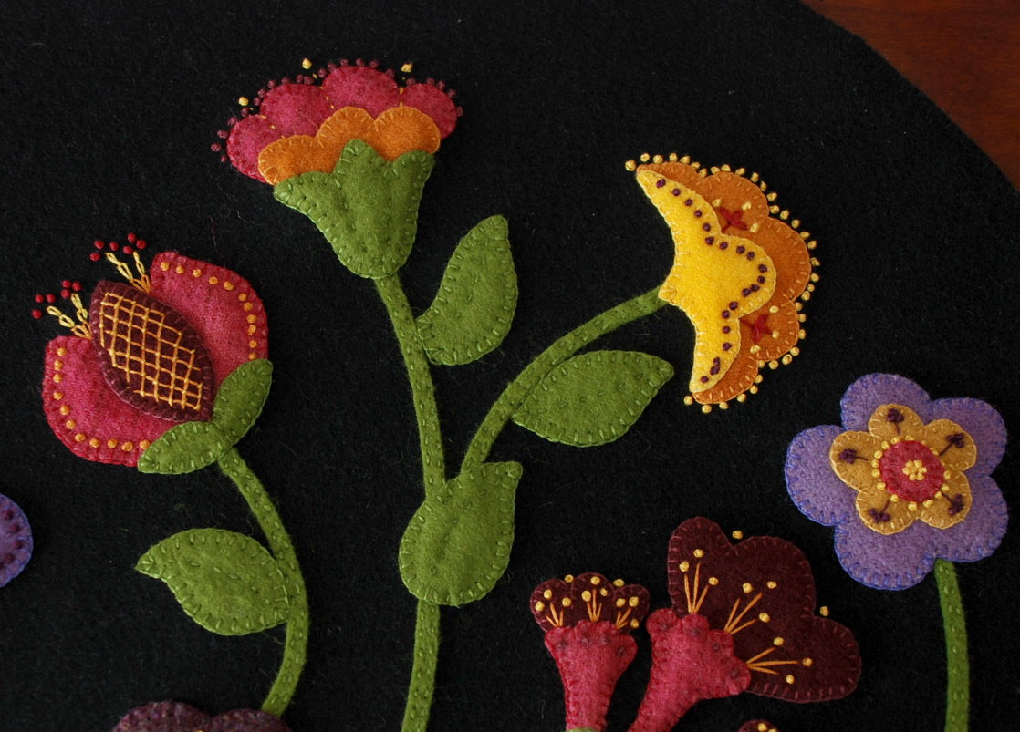 About u horse and buggy country wool applique designs