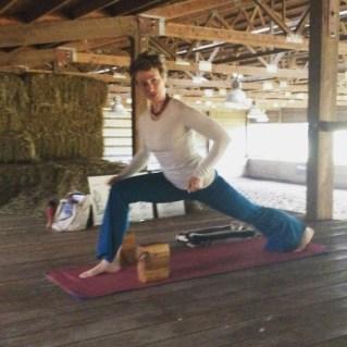 Hayloft_Yoga_Lunge