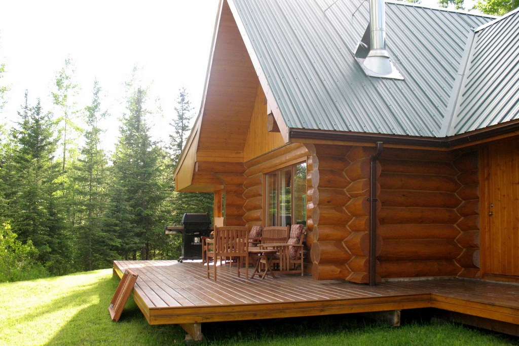 Loghome on 10 acres with View of Cariboo Mountains - 3289 Horsefly-Quesnel Lake Road, Horsefly BC