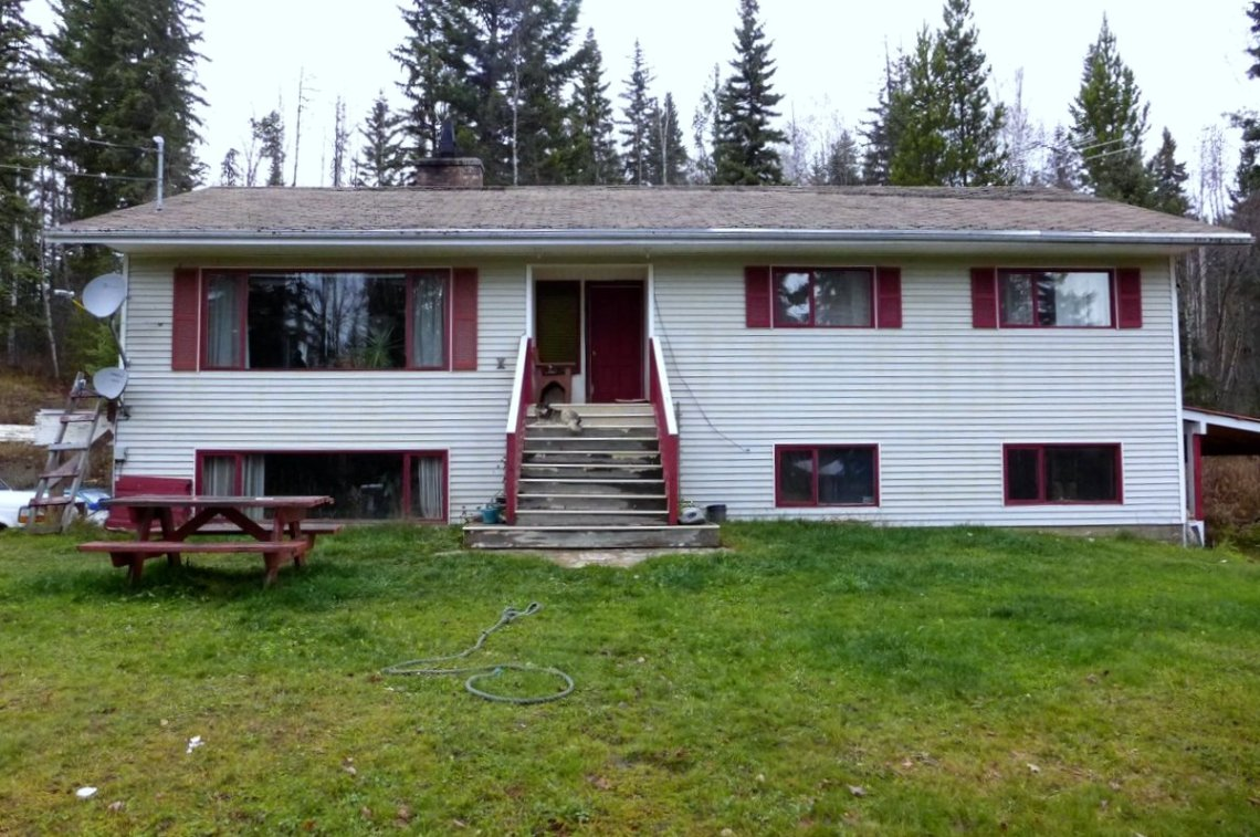 5.8 acres with Family Home and Commercial Zoning near Horsefly Lake - 3591 Harchery Road, Horsefly, BC