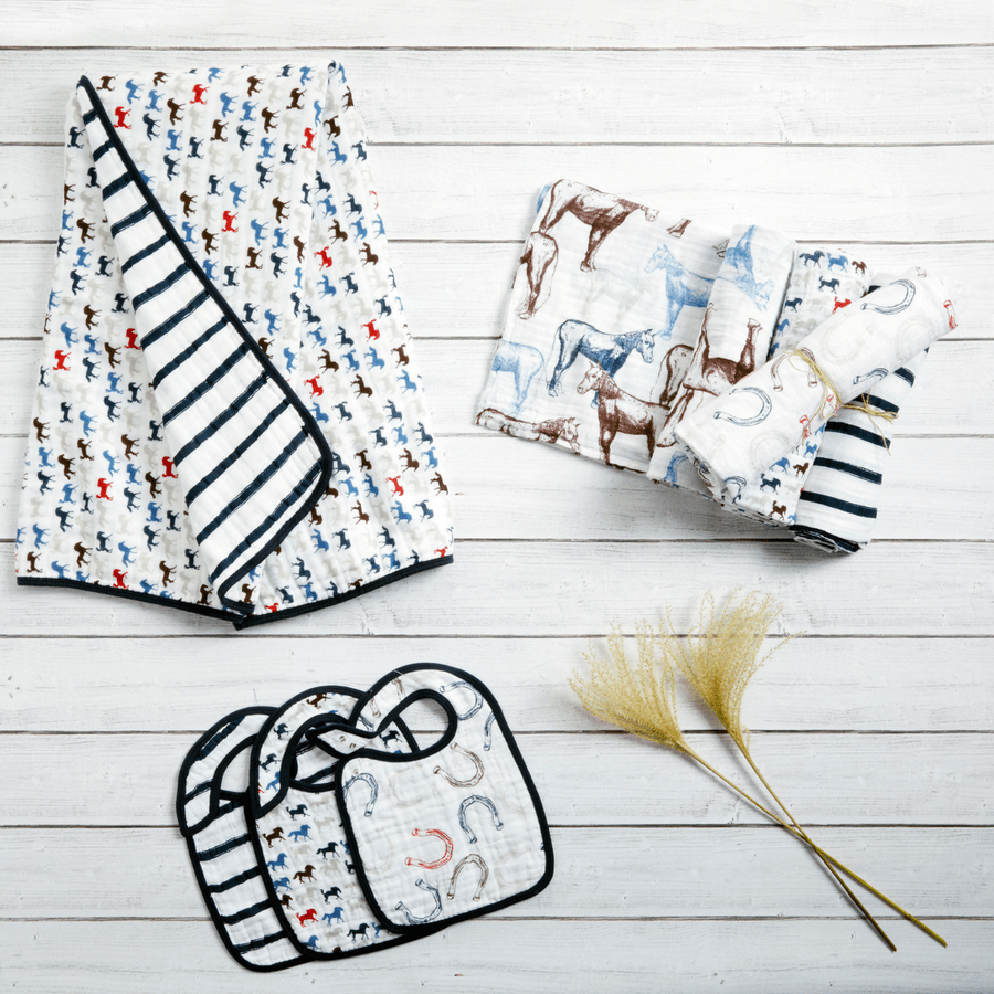 2063_4-muslin-swaddle-horseshoes-navy-red