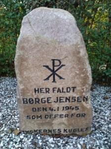 Mindesten for Børge Jensen. Foto: Jette Holst, 2015