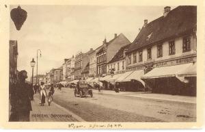 Søndergade 37, 39 og 41, set fra øst, omkring 1923. B2298.