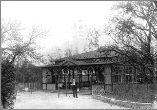 """""""Krokodillen"""" i Stensballe. Postkort fra 1900. Tidligere bragt i Persillekræmmeren nr. 17, 2004"""