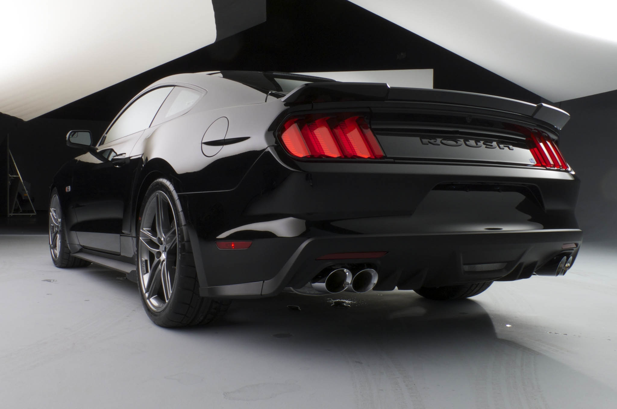 Roush 2015 Ford Mustang Rear Three Quarters