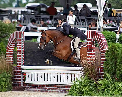 Grand Pony Hunter Championship Title Goes to Daisy Farish at 2013 USEF Pony Finals